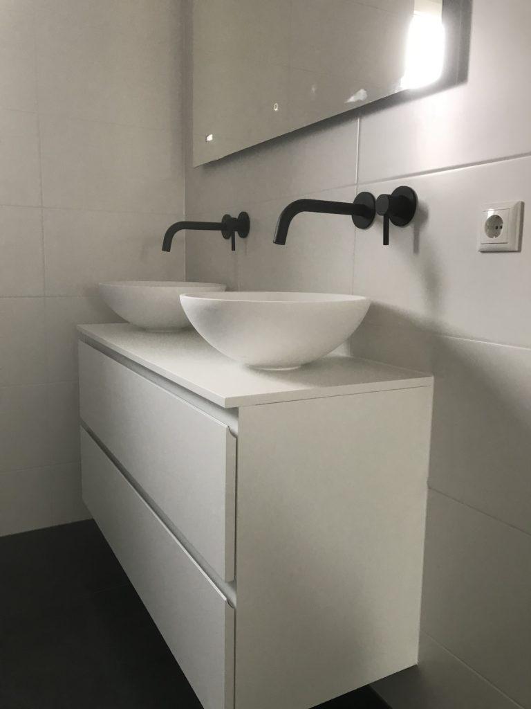 Badkamer Inbouwkranen Waskommen sanitair tegelwerk Hongaarse punt - Home Repair - Timmerwerk en onderhoud 01