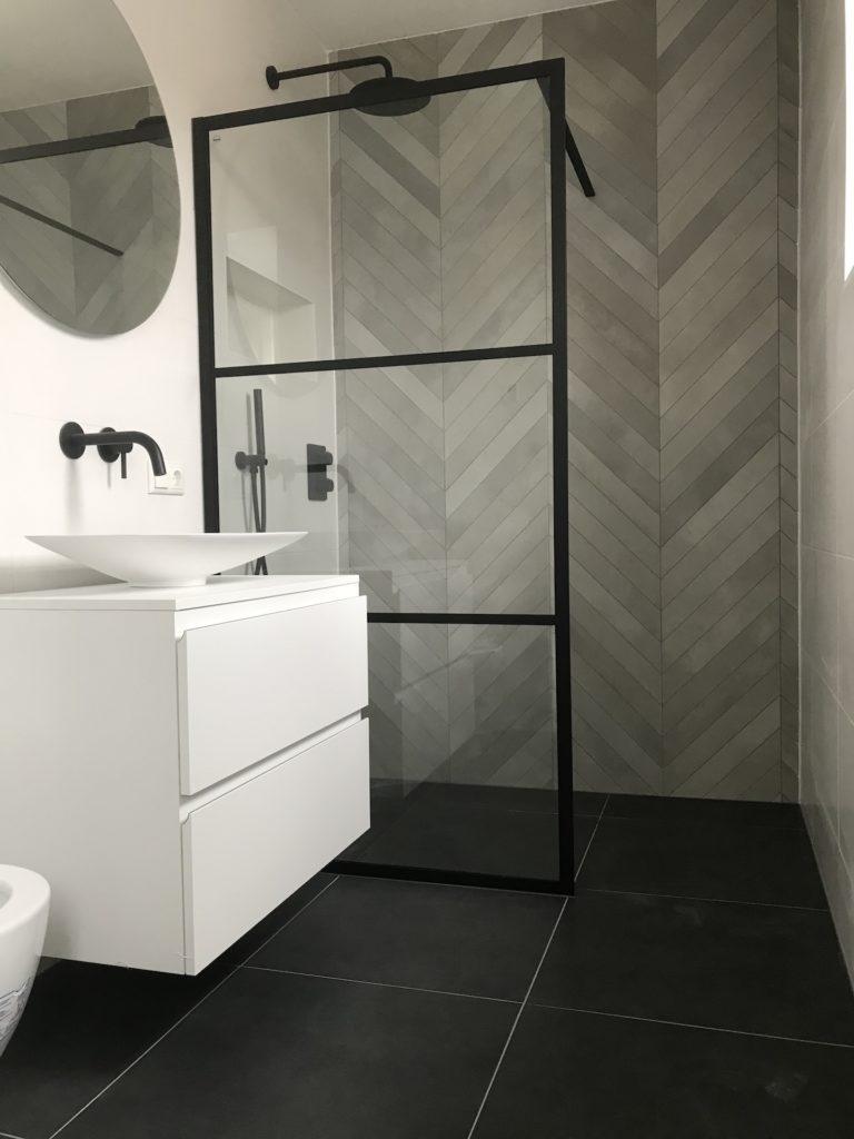 Badkamer Inbouwkranen Waskommen sanitair tegelwerk Hongaarse punt - Home Repair - Timmerwerk en onderhoud 02
