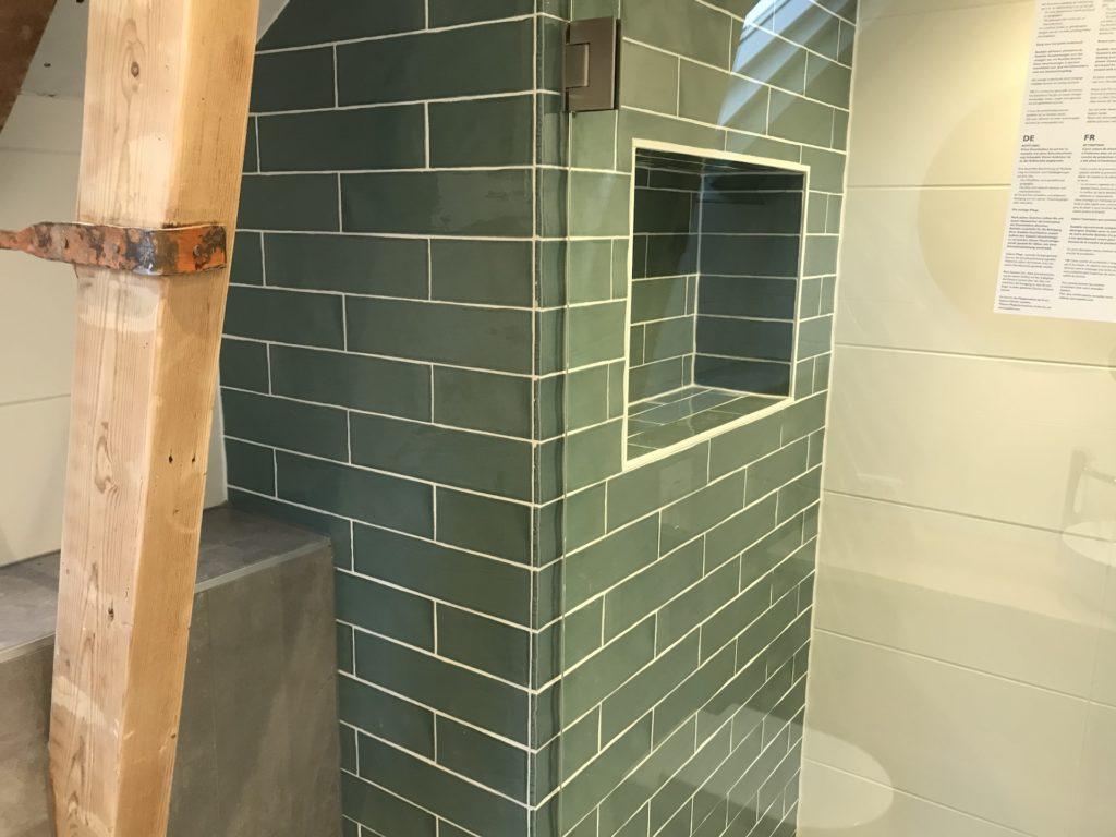 Badkamer sanitair tegelwerk - Home Repair - Timmerwerk en onderhoud 01