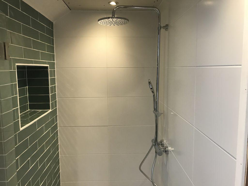 Badkamer sanitair tegelwerk - Home Repair - Timmerwerk en onderhoud 02