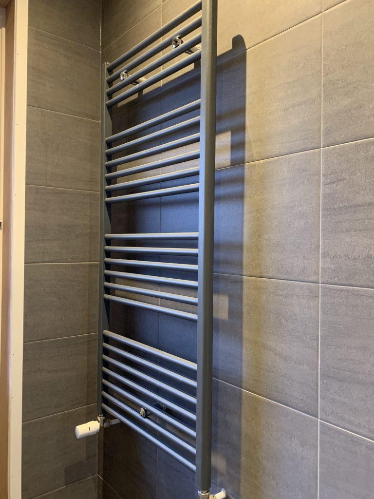Badkamer sanitair tegelwerk - Home Repair - Timmerwerk en onderhoud 04