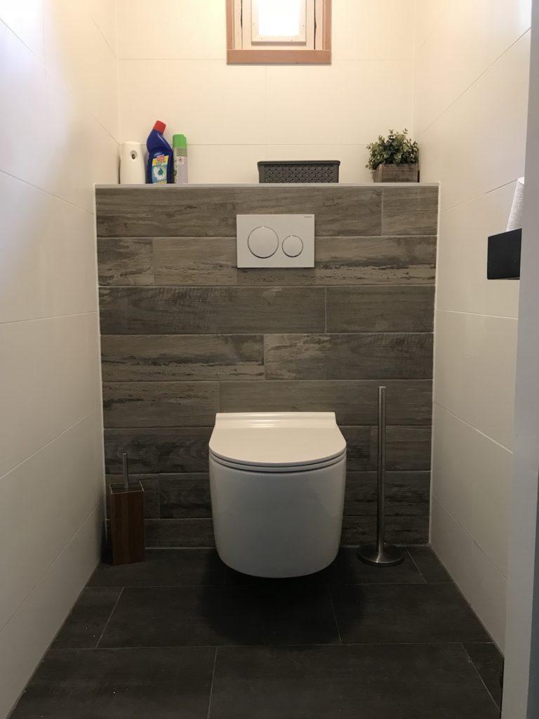 Hangtoilet sanitair tegelwerk - Home Repair - Timmerwerk en onderhoud 09